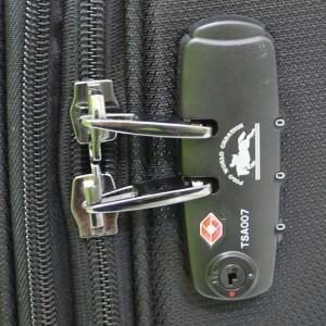 Vali keo Santabarbara S26682TB size 24 black khoa TSA